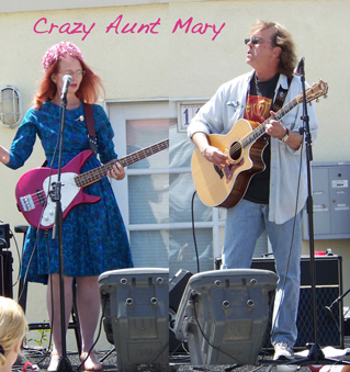 Michelle and Steve - Crazy Aunt Mary